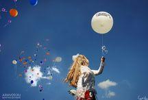 BACK / balloons girl