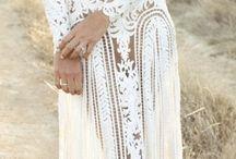 l'élégance du caftan / L'époustouflant costume féminin marocain dans toute ses déclinaisons de haute couture