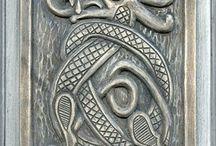 Viking knotwork dragons