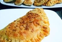 Empanadillas caseras de pisto / Las mejores recetas: http://golosolandia.blogspot.com.es/2013/03/empanadillas-caseras.html