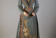 1890s Late Victorian Costumes