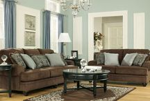 Home - Living Room / by Keri Pratt