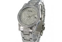 Montres femme argenté, dorée ou cuivrée / Montres pour femme de la marque MCK Paris. Une sélection de modèles de montres argentées, dorées ou cuivrées dans un esprit tendance ou classique