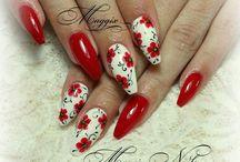 piros körmök,  Red nails