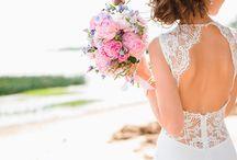 Vestidos de noivas / Encontre os melhores vestidos de noiva na Milanoo e fique linda para esse dia tão especial, gastando muito pouco. Confira todas as opções de modelos, valores e estilos