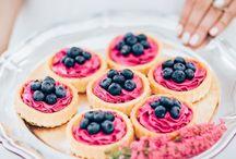 Wedding Details ♡ Desserts / Yummy desserts are a girls best friend - or something like that. Sweet-tooth lovers will swoon over them! || Leckere Desserts sind die besten Freunde der Frauen – oder so ähnlich. Naschkatzen werden in Verzückung geraten!