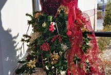 a.k.a. Diva Tree / Thrifters use mannequins and their creativity to put a fashionable spin on Christmas tree decorating.