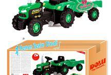 Oyuncak pedallı römorklu traktör
