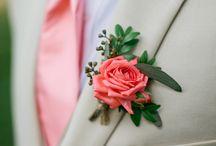 [ Boutonniere ] / À semelhança do bouquet da noiva, o noivo também usa o seu adorno floral no dia do casamento, bem perto do seu coração – o boutonniere. / by Luciana Martinez