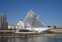 Arquitectura / Acceso al museo de arte moderno de Milwakee, obra del arquitecto Calatrava