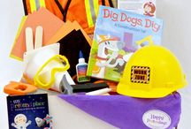 Construction Worker Pretend Play / For the little builder in your life, we've got some great ideas to share. Dress-up, crafts, activities and other inspiration to keep them engaged in good old fashioned #pretendplay.