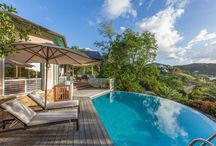 Antigua / Antigua is an island not only rich in history but also rich in beautiful beaches, great restaurants and home to some fabulous villas. Easy to access with direct flights, why not make this your next Caribbean villa retreat?