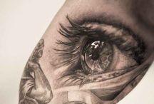 Eye / Eye on bicep