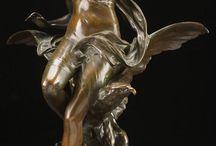 statuetki z brązu