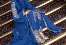 busana muslim indah biru.
