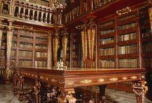 LES BAROQUES / Le Baroque n'est  pas restreint à une période de l'histoire des Arts ! Quelle que soit l'époque, est BAROQUE tout ce qui est théâtral, en mouvement, en trompe-l'œil,  usant de la profondeur vraie ou illusoire, en expansion, emphatique, abondant, contrasté , quelque fois excessif mais  toujours grand et noble, en représentation, musical, tout ce qui provoque l'étonnement, tout ce qui ouvre l'imaginaire, tout ce qui emporte vers des ailleurs qui nous font plonger au plus profond de nos rêves... ! Tout style passe par trois stades : archaïque, classique et BAROQUE . Il s'en suivra une période destructive avant de repartir vers une nouvelle forme.