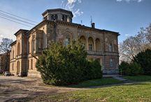 Klęka - Pałac / Pałac w Klęce został zbudowany około 1880 roku przez Hermanna Kennemanna. Po śmierci Kennemanna pałac był własnością do 1945 roku jego zięcia Maksa Jouanne. Obecnie w pałacu mieści się przedszkole oraz mieszkania prywatne.