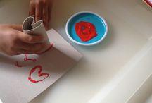 Manualidades con niños / Pequeñas manualidades para realizar con peques para aprender mientras desarrollan su creatividad.