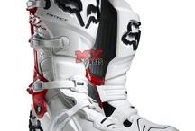 Botas / Ideal para quem procura uma bota de trilha ou motocross, disponibilizamos uma grande variedade de botas para que possa escolher o modelo que atende as suas necessidades. / by Mxparts Peças E Acessórios