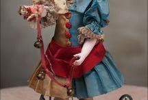 antique dolls / That would make dolls