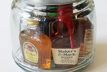 DIY GIFTS IN CONTAINERS / Great simple ideas for gift BASKETS, JARS, AND MORE!