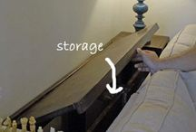 zamykana szafka koło łóżka