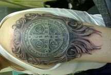 medaillon tatoo