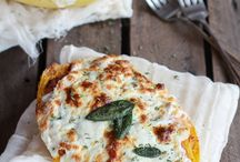 Spaghetti squash lasagna boat