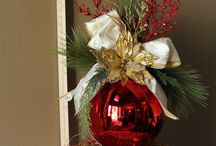 Christmas Centerpieces / by Lisa Lewis