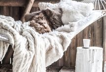 SEASON - WINTER // HIVER / ideas for Christmas table decoration - cozy winter interiors - décoration de Noël