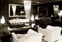 Black / Black as a home decor colour