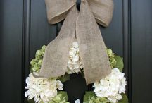 Wreaths and outside decor / by Caitlin Seaks