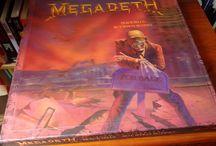 Megadeth - Peace Sells... But Who's Buying? 25th Anniversary / Kolekcjonerska, rocznicowa edycja jednej z najważniejszych płyt od Megadeth. Jak prezentuje się w środku?