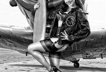 Κοριτσια σε αεροπλανα