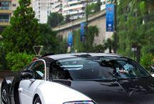 Arabalar ve Motorlar / Lüks ve Spor Arabalar ve Motosikletler