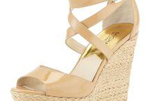 Sapatos/Roupas