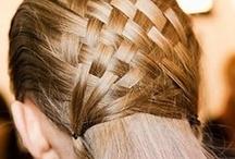 Cool Hair / Brush, comb, hairspray......