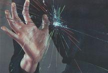 B_ Divergent