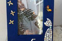 Micamosaico / Decoratrice mosaicista, realizzo pezzi unici su ordinazione in mosaico come specchiere, cornici porta foto, ciondoli etc. Visita la mia pagina FB Mica Mosaico o il mio negozio https://www.alittlemarket.it/boutique/micamosaico-3094126.html Buona visione!