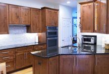 Shaker Medium -- Kitchen / Specie:  Maple Finish:  Harvest Overlay:  FOLC Door Style:  Shaker Medium Drawer Style:  5pc Flat  Designer:  Mary Banas @ Cabinet Discounters-- Chantilly, VA