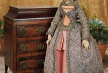 Antique Dolls - Wood - XVI-XVII