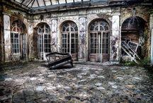 Opuszczone miejsca / Tablica poświęcona Urban Exploration (Urbex), czyli eksploracji opuszczonych miejsc w Polsce i w Europie.