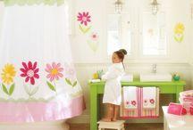 kids bath / by Angela Astor