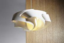 Designové doplňky / svítidla, koberce, hodiny, úložné prostory a další designové doplňky do interiérů z naší nabídky