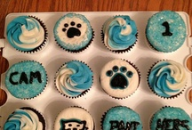 Cheer cupcakes / For my birthday 27 October