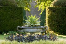 Inspirational outdoor spaces / Gardens, colours, space, light, features and landscape products that inspire