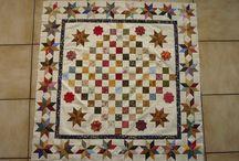 Guute's Antiek / Grote quilt met de hand maken en ik doe er een eigen inbreng aan,anders wordt het weer zo'n kopie.