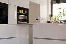 mobila la comanda / Design si productie mobilier bucatarie MDF vopsit lucios.
