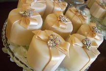 Cupcakes, Mini Cakes, Cake Pops