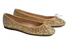 G L I T T E R // Sparkle your days! / #Sparkling style conquers the catwalks and glitters shine even in our closets! A pair of #glitter shoes have the place of honor in our shoe closet, with sparkling flats being the prevailing trend. Use a pair of glitter ballet flats to have fun creating #sequins and sparkling outfits, always with ease and irony. Behind glitter desire there is always a woman who likes to be feminine without taking herself too seriously, who knows how to play down and how to unburden what is wore.